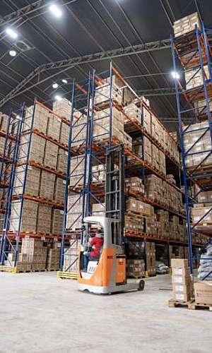 Empresa de galpão lonado para armazenagem